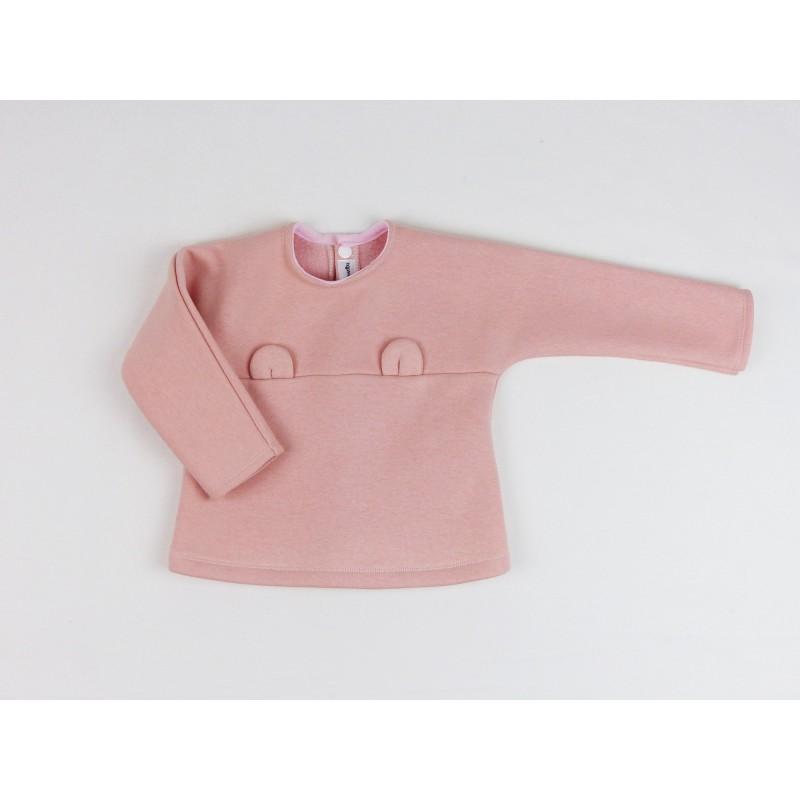 Un très joli vêtement pour enfant, en sweat tout doux