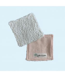 Les lingettes toutes douces en tissu éponge